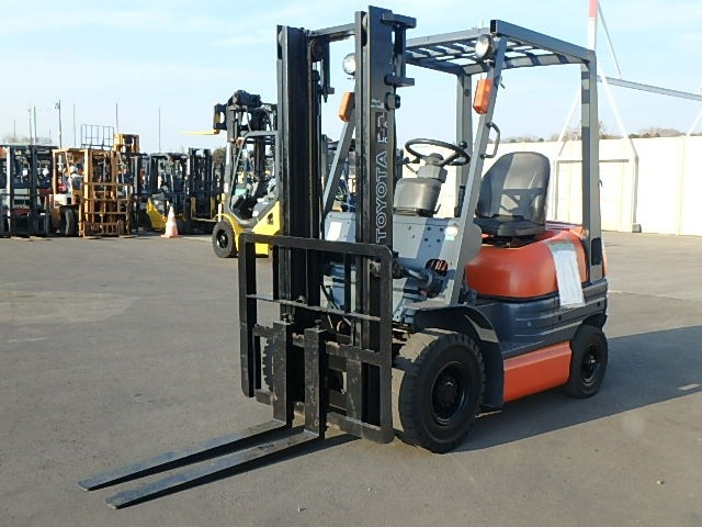 Buy used TOYOTA TOYOTA FORKLIFT at Japanese auctions