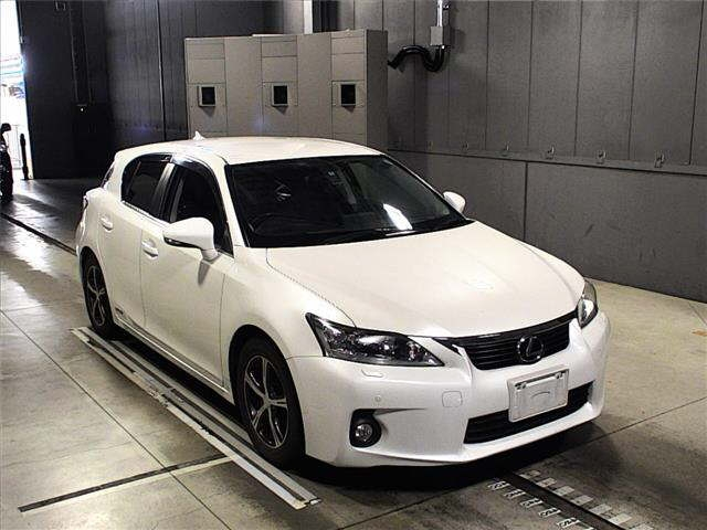 Buy used LEXUS CT at Japanese auctions