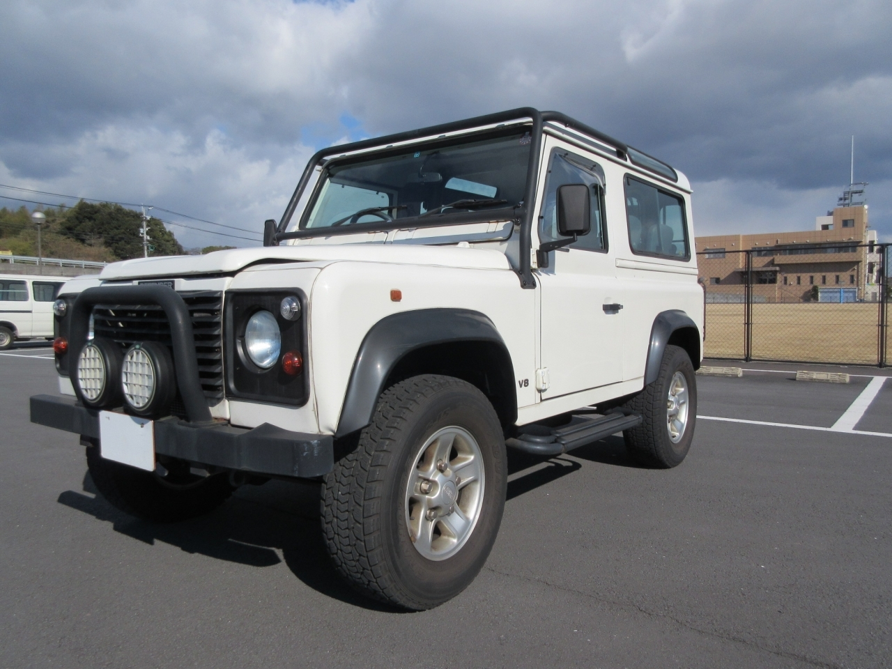 Buy used LAND ROVER DEFENDER at Japanese auctions