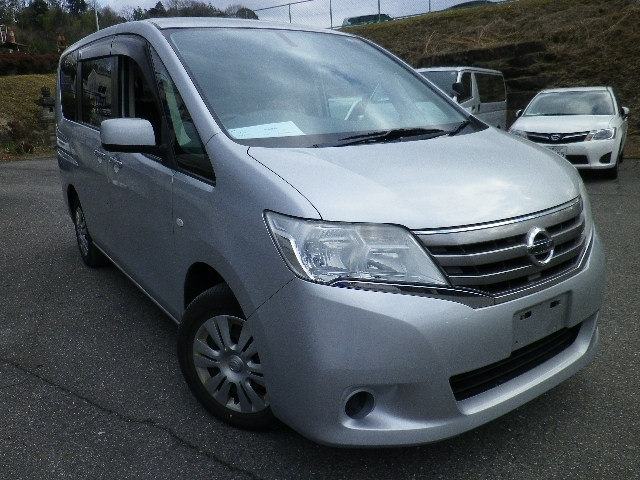 Buy used NISSAN SERENA at Japanese auctions