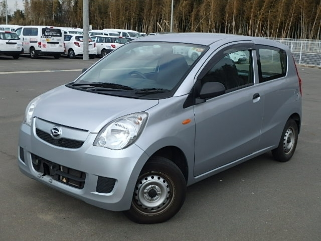 Buy used DAIHATSU MIRA at Japanese auctions